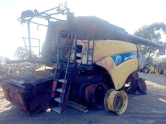 New Holland TR87 combine harvester