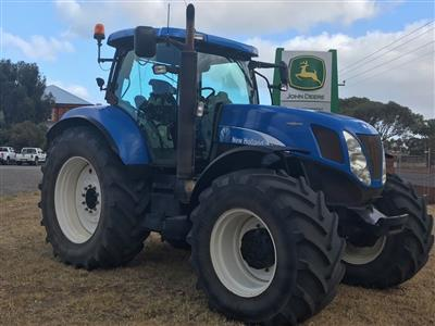 New Holland T7070 tractor