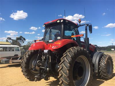 Photo 5. CASE IH MAGNUM 310 tractor