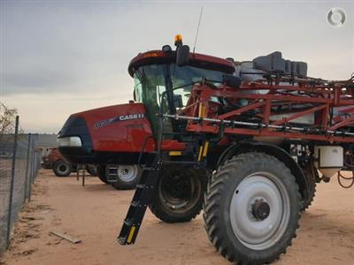 CASE IH Patriot AIM Command Pro 4430 self propelled sprayer