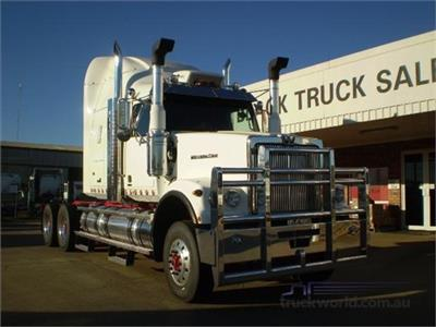 Western Star 4964FXC Prime Mover
