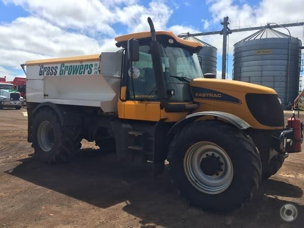 JCB 3220 spreader