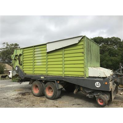 CLAAS QUANTUM FORAGE WAGON & FEEDOUT...