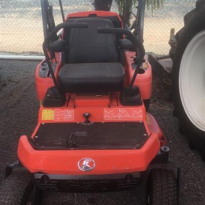 Photo 1. KUBOTA GZD15 zero turn mower