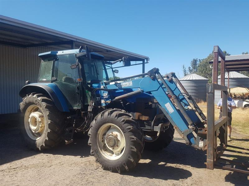 New Holland TM115 tractor