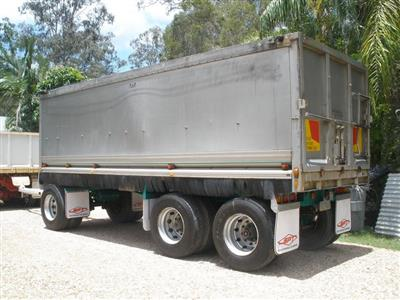 SAWTELL & SONS 3 AXLE trailer