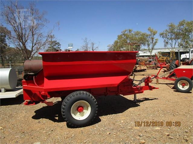 Custom Made 3000 spreader