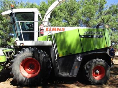 Photo 1. Claas 870 Forage harvester