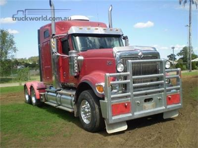 International 9000i Eagle Prime Mover
