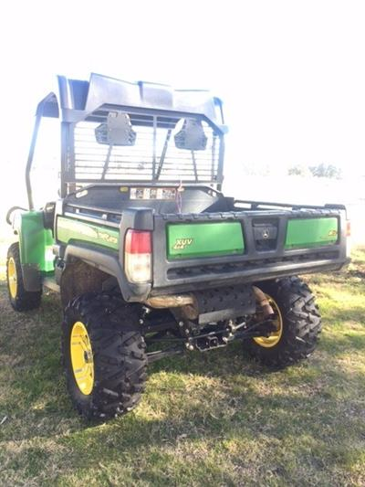 Photo 3. John Deere 825i Gator
