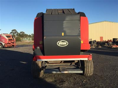 Photo 2. Vicon RV2190 RV 2190 Round Baler