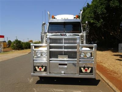 Photo 3. Western Star 4864FX 4800FX prime mover
