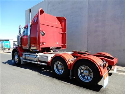 Photo 3. WESTERN STAR 4864 FXC prime mover