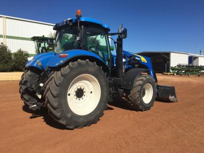 Photo 3. New Holland T7070 tractor