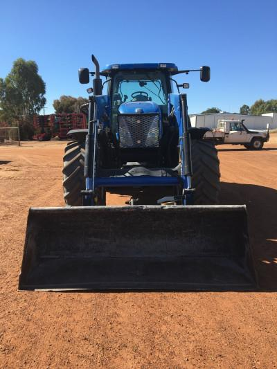 Photo 4. New Holland T7070 tractor