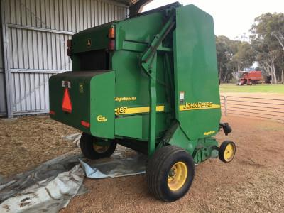 Photo 3. John Deere 467 round baler