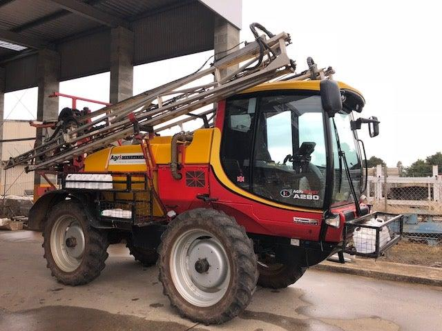 Kelland Agri Buggy A280 boom sprayer