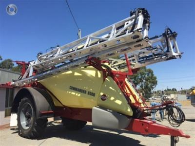 Photo 3. Hardi 8500 boom sprayer