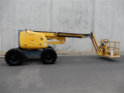 Photo 2. HAULOTTE HA18PX boom lift