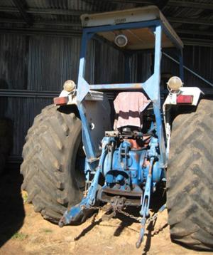 Photo 4. Ford 760 tractor