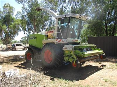 Photo 2. Claas 870 Forage harvester