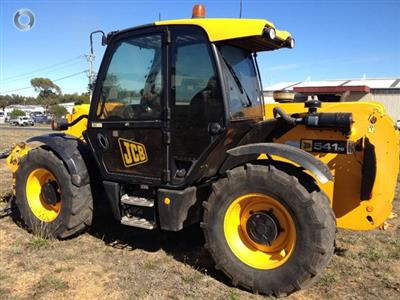 Photo 3. JCB 541/70 SUPER telehandler