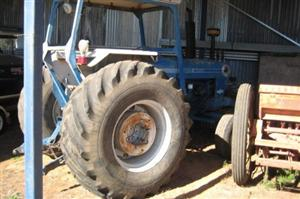 Photo 3. Ford 760 tractor