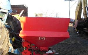 Photo 4. Lely Spreader
