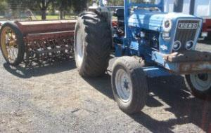 Photo 2. Ford 760 tractor
