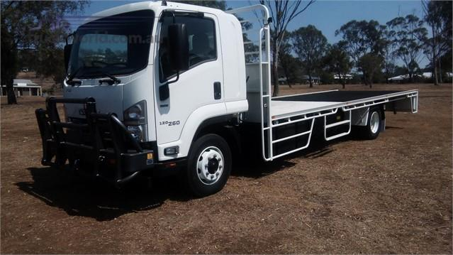 Photo 4. Isuzu FSD 120/260 Cab Chassis truck
