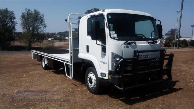 Photo 2. Isuzu FSD 120/260 Cab Chassis truck