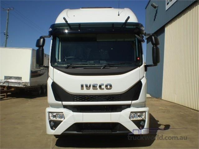 Photo 2. Iveco Eurocargo ML160 Cab Chassis truck