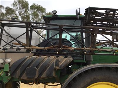 Photo 5. JOHN DEERE 4930 SP self propelled sprayer