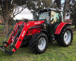 Massey Ferguson MF5445 with burder 8070 loader
