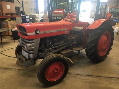Photo 2. Massey Ferguson 135 petrol 2wd tractor