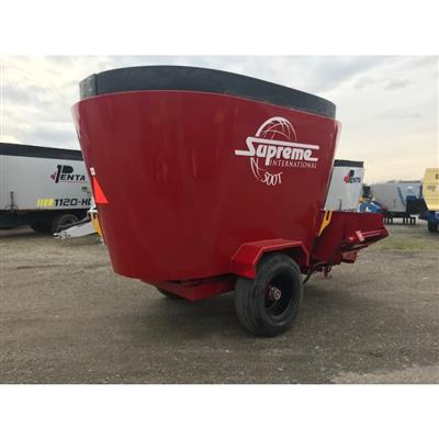 Photo 4. SUPREME 500T mixing wagon