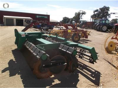 Photo 3. K LINE 2940DD cultivator